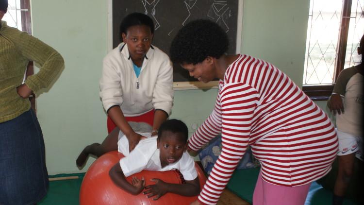 Prawo dziecka do jak najwyższego poziomu zdrowia i udogodnień w zakresie leczenia oraz rehabilitacji