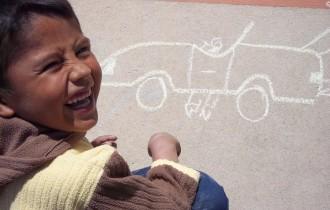 Misjonarz w domu dziecka w Boliwii